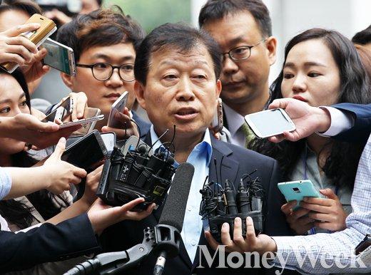 [MW사진] 고재호 전 사장 검찰 출석, '5조원대 분식회계 사기 혐의 사실일까?'