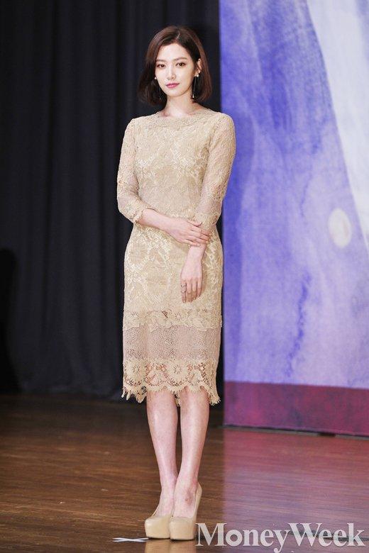 [MW사진] 함부로 애틋하게 임주은, '시선 붙잡는 누드톤 드레스'