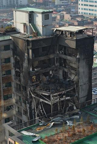 지난해 1월 발생한 의정부 대봉그린아파트 화재 현장./사진=박세연 뉴스1 기자