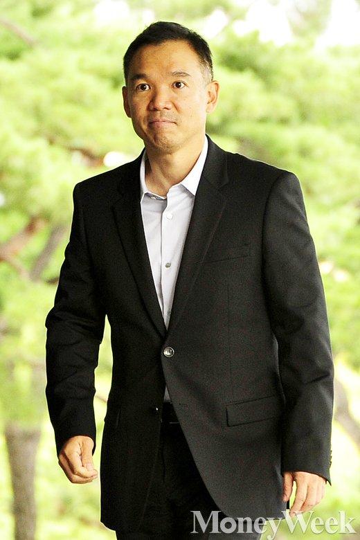 [MW사진] '주식대박 특혜' 의혹, 넥슨 창업자 김정주 검찰 출석