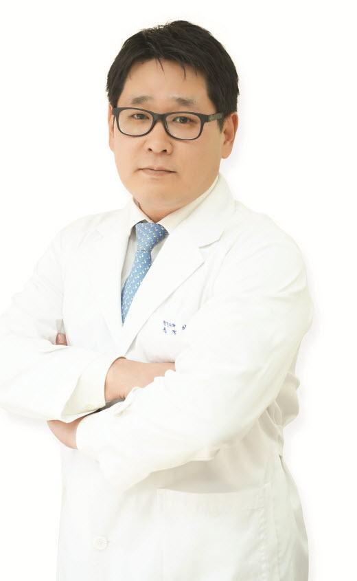 [건강] 여름철 과음, 고관절 건강 위협…'대퇴골두 무혈성 괴사'