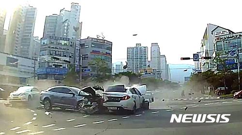 해운대 교통사고. 사고 당시 블랙박스 영상. /사진=뉴시스(부산경찰청 제공)