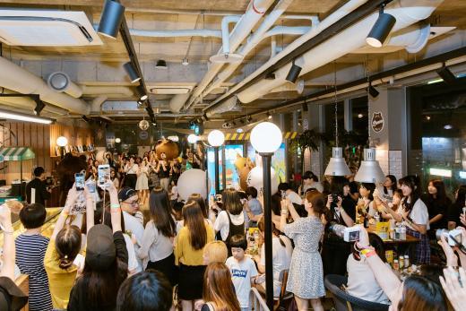 라인프렌즈, '브라운' 생일파티 성황리 개최
