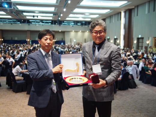 ▲(왼쪽부터) 한국식품과학회 임승택 회장, 뉴트리 김도언 대표