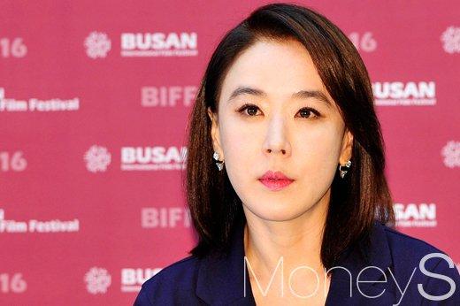 [머니S포토] 충무로 여신 강수연, '부산국제영화제 집행위원장으로 참석'