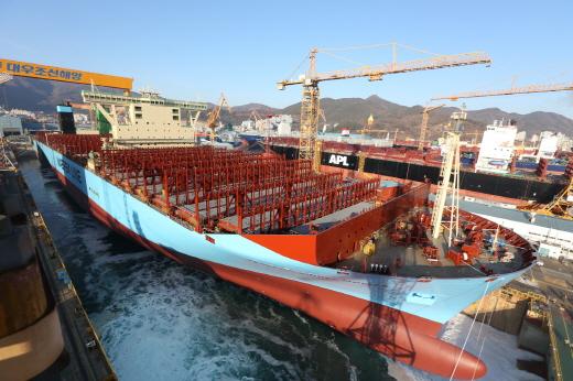 대우조선해양이 세계최초로 건조한 1만8270TEU급 컨테이너선 /사진=대우조선해양 제공