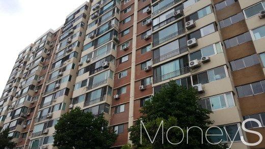 강남재건축 중심에 선 압구정 현대아파트. /사진=김창성 기자
