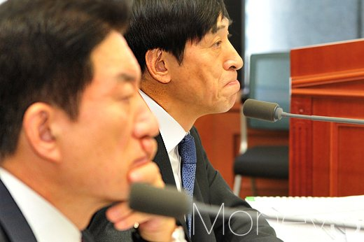 [머니S포토] 한국은행 국정감사, 굳은 표정의 이주열-장병화