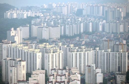 서울, 경기, 제주 세 곳은 세입자의 임대료 부담이 전국 평균보다 높은 지역으로 나타났다. 사진은 서울 영등포구 아파트 단지. /사진=뉴시스 DB