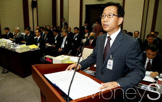 [머니S포토] 법사위 국감에 출석한 심상철 서울고등법원장