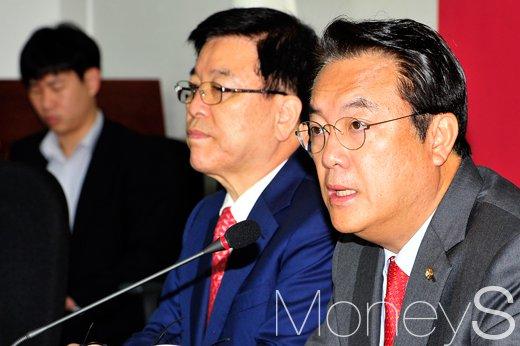 """[머니S포토] 정진석, """"북한 SLBM 대응… 해군력에도 유의미한 과제"""""""