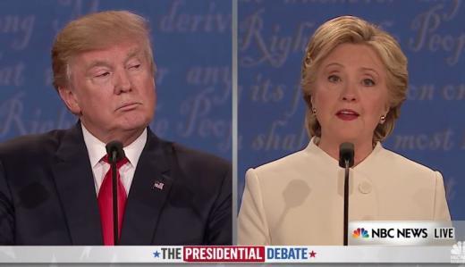 미 대선 TV 토론. 19일(현지시간) 미국 네바다대학교에서 열린 미국 대선 3차 TV 토론에서 도널드 트럼프 공화당 후보(왼쪽)와 힐러리 클린턴 민주당 후보가 질의를 주고받고 있다. /사진=미국 NBC 유튜브채널 캡처