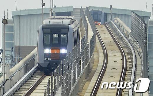 인천지하철 2호선. 사진은 기사내용과 무관. /자료사진=뉴스1
