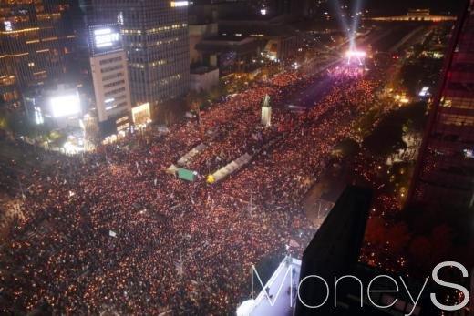 지난 5일 광화문 일대에 운집한 민중총궐기 문화제 현장./사진=임한별 기자