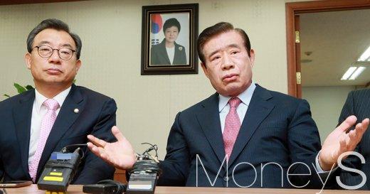 """[머니S포토] 한광옥, """"박 대통령 국회 의사 존중하는 분"""""""