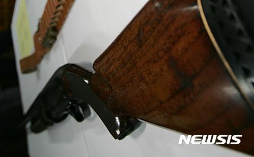엽총 사고. 11일 오후 서울 중랑구 묵동에서 엽총 사고가 발생했다. 경찰에 압수된 엽총. /자료사진=뉴시스