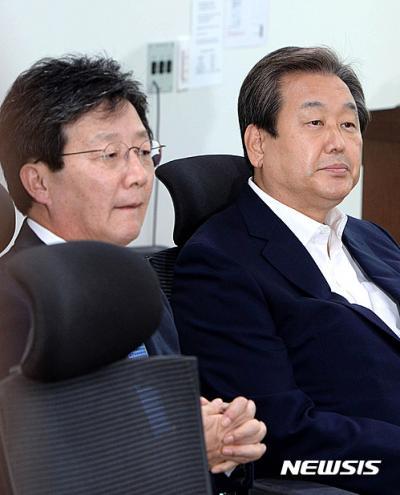 김무성 새누리당 전 대표(오른쪽). /자료사진=뉴시스