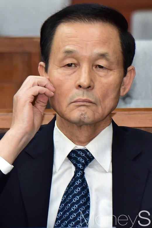"""[머니S포토] 3차 청문회 김장수, """"대통령, 세월호 참사 당시 머리손질로 늦었다고 생각하기 싫어"""""""