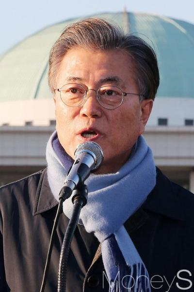 선거연령 18세로 하향. 사진은 문재인 민주당 전 대표. /사진=임한별 기자