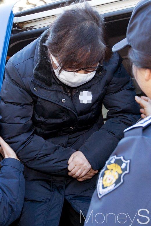 [머니S포토] 헌재 첫 출석 정유라 모친 최순실