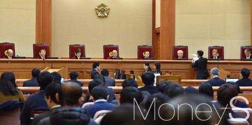 [머니S포토]탄핵심판 7차 변론기일, 문고리 3인방 오늘 출석할까?