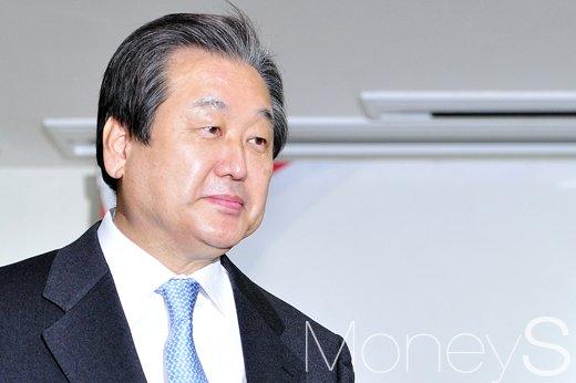 이한구. 사진은 김무성 전 새누리당 대표. /자료사진=임한별 기자