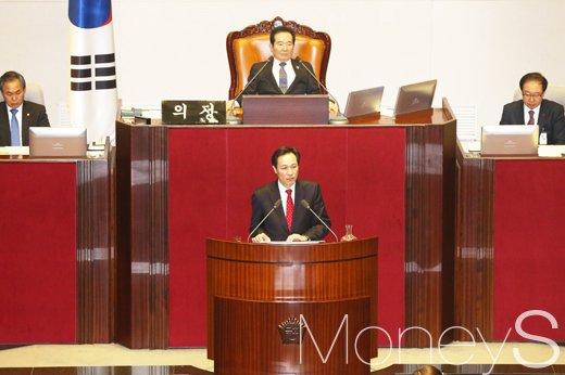 [머니S포토] 2월 국회 본회의, 우상호 교섭단체연설