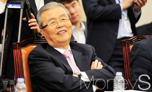 손학규 국민의당과 통합. 사진은 김종인 더불어민주당 의원. /사진=임한별 기자