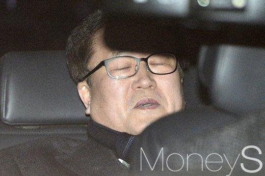 [머니S포토] 박상진, '표정으로 말하는 9시간의 긴 영장실질심사'