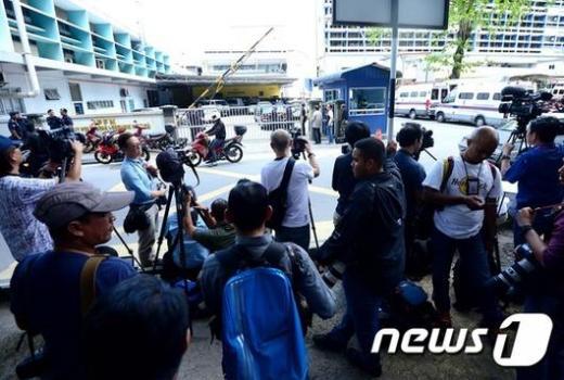 김정남 살해 용의자 북한 출신 리정철이 말레이시아 현지 경찰에게 체포됐다./사진=뉴시스DB