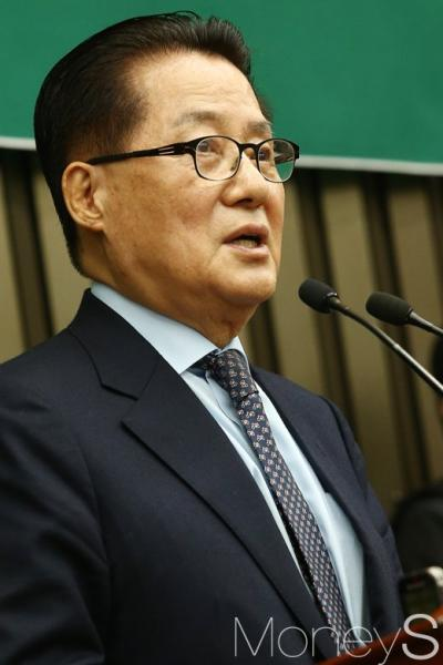 용의자 17일 평양도착. 사진은 박지원 국민의당 대표. /사진=임한별 기자