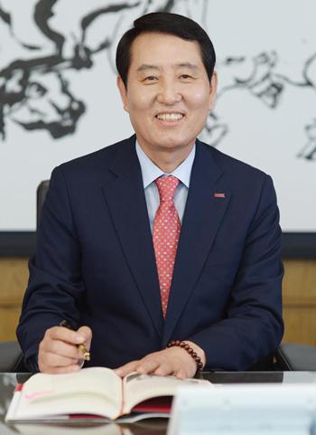 성세환 BNK금융그룹 회장. /사진제공=BNK금융그룹