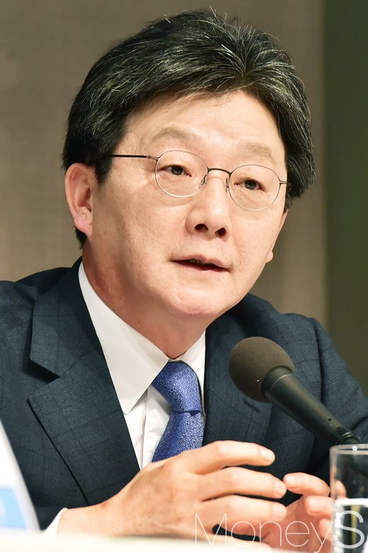 """[머니S포토] 관훈토론 유승민, """"문·안 유리하지만 2007년 이명박만큼 강하지 않아"""""""