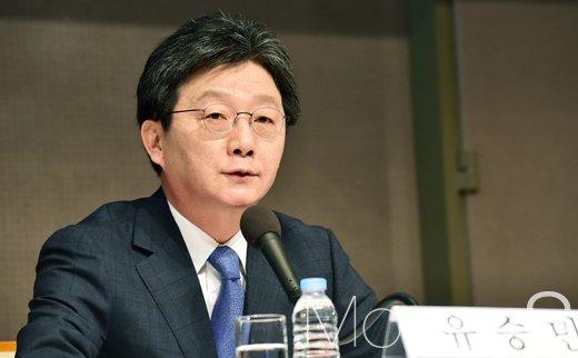 [머니S포토] 북한 핵문제 관련 트럼프 정부에 대해 전하는 유승민