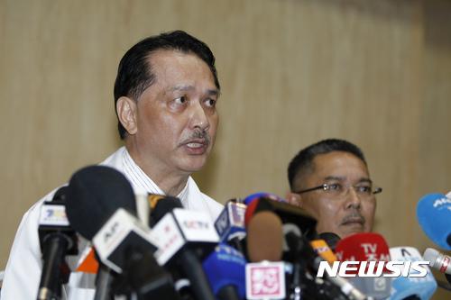 지난달 21일 말레이시아 쿠알라룸푸르 종합병원에서 누르 히샴 압둘라 말레이 보건부 국장이 김정남 부검에 관련된 기자회견을 열고 있다./사진=뉴시스DB