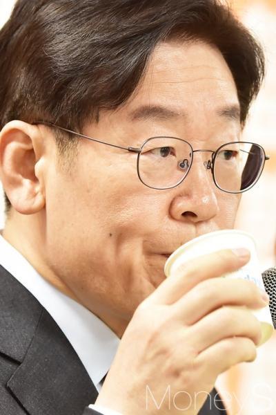 민주당 대선후보 토론회. 오마이TV. 사진은 이재명 성남시장. /사진=임한별 기자