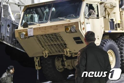 사드 배치. 한미 양국은 오늘(7일) 사드(THAAD·고고도미사일방어) 일부 포대가 전날 한국에 도착했다고 밝혔다. /사진=뉴스1(주한미군 제공)