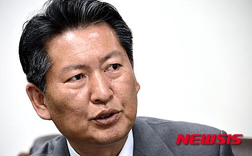 김종인 민주당 탈당. 사진은 정청래 전 민주당 의원. /자료사진=뉴시스
