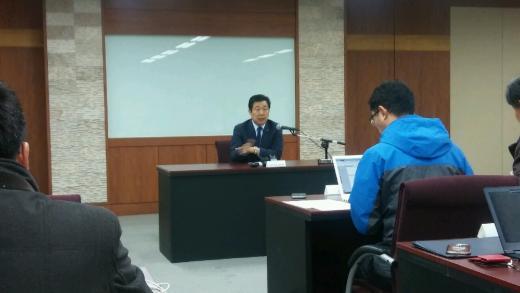 김현철 금호홀딩스 대표이사는 13일 오전 광주공장에서 금호타이어 인수 관련 기자간담회를 갖고 있다.