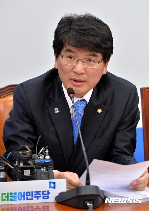김진태 대선 출마. 박완주 더불어민주당 원내수석부대표. /자료사진=뉴시스