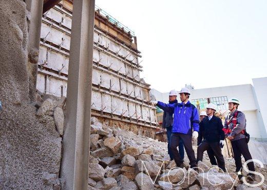 [머니S포토] 서대문구, 해빙기 공사현장 점검