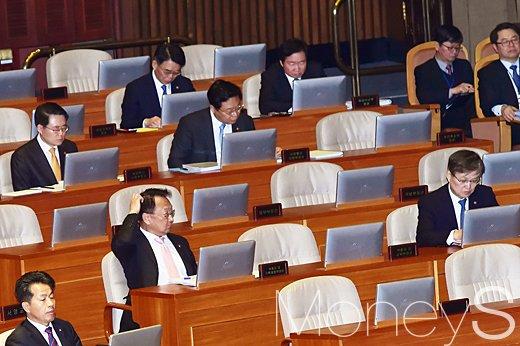개헌 국민투표. 분권형 대통령제. 사진은 국회 본회의장. /사진=임한별 기자