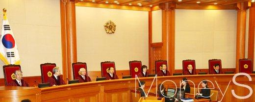 우종창. 사진은 헌법재판소 재판관 8명. /사진=임한별 기자