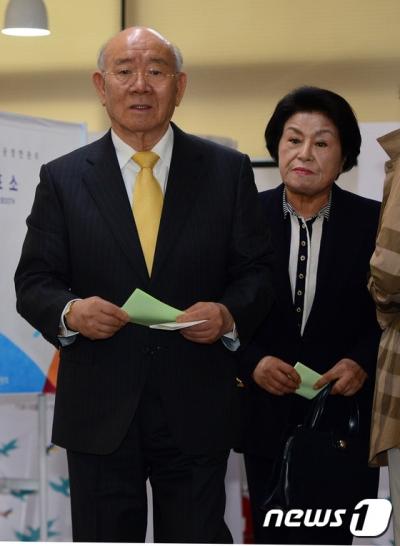 전두환 회고록. 전두환 전 대통령(왼쪽)과 이순자 여사. /자료사진=뉴스1