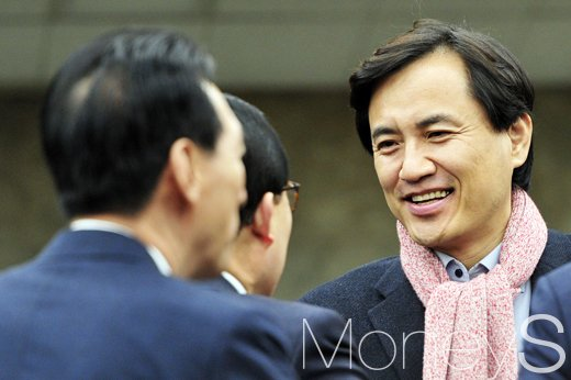 김진태 법치주의 조종 울린 날. 조종이란. 사진은 김진태 자유한국당 의원(맨 오른쪽). /사진=임한별 기자