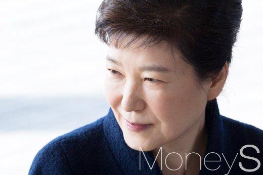 박근혜 구속후 오늘 첫조사. 사진은 박근혜 전 대통령. /사진=사진공동취재단
