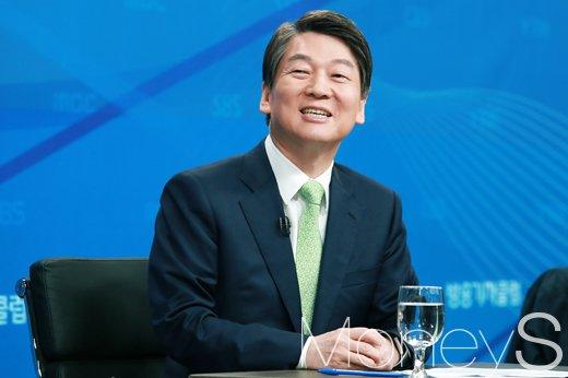 """[머니S포토] 대권잠룡 안철수, """"실력이 빽이기는 나라, 정부 드림팀 만들겠다"""""""