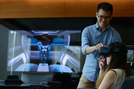 롤스로이스모터카, 가상현실(VR) 비스포크 체험 프로그램 개발 /사진=롤스로이스모터카 제공