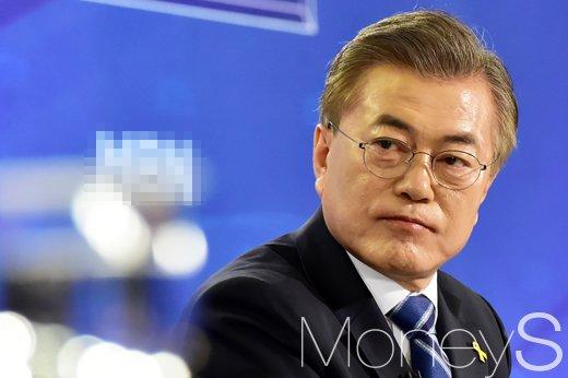 """[머니S포토] 문재인 """"대통합정신 구현할 통합정부, 드림팀 내각 구성"""""""