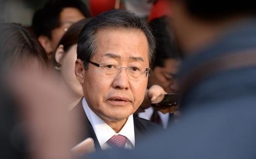 홍준표 자유한국당 대선 후보가 노우현 정부와 지니계수를 언급한 것에 대해 해명했다. /사진=뉴시스